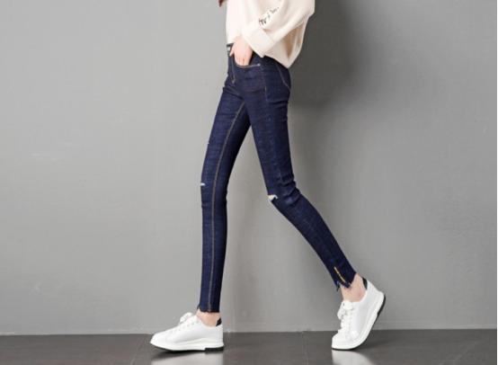 收集这些裤子,在几秒钟内成为时尚!