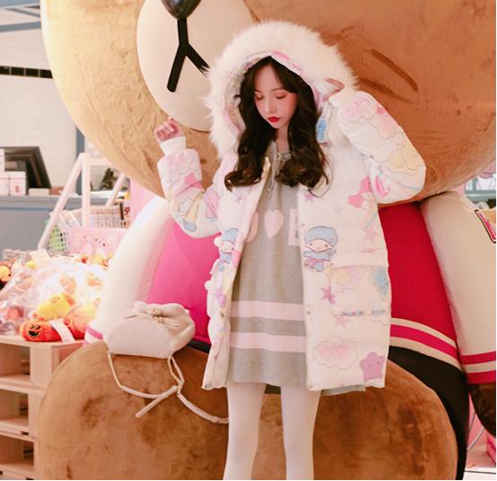 可爱的面包衣服,玩弄着甜美女孩的心