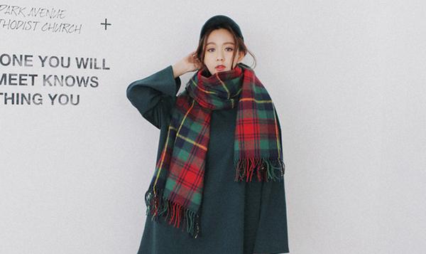 初秋时节 如何为自己挑选一条时髦围巾?